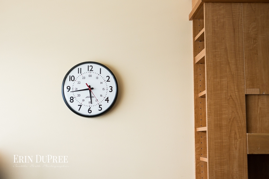 Clock displaying time of birth by Seattle Birth Photographer
