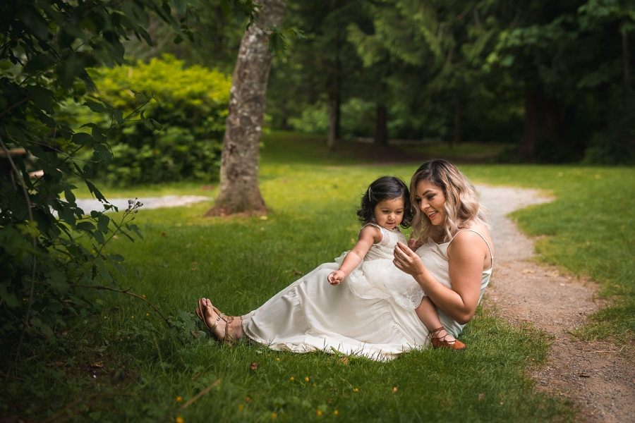 Candid moment between mother and daughter captured by Seattle family photographer Erin DuPree